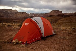 Five-Tips-for-Buying-Portable-Camping-Showers