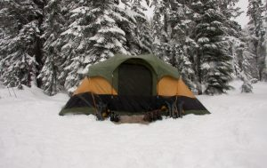 Winter-Camping-Guide-for-Beginners